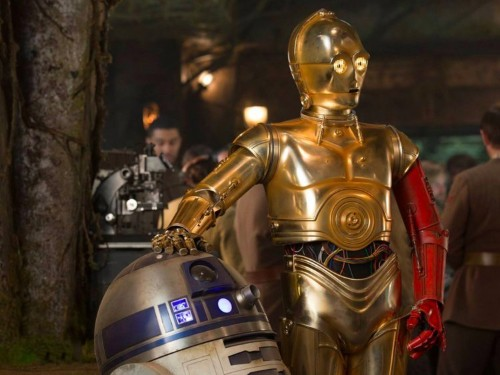 We finally know why C-3PO has a red arm in 'Star Wars: The Force Awakens'