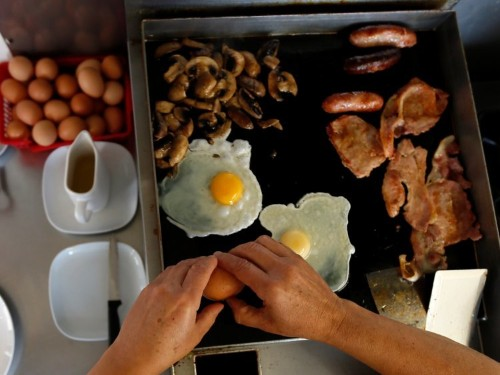 The truth about how 'important' eating breakfast is, according to science