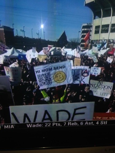 A College Kid Made More Than $24,000 Yesterday Just By Waving This Sign On ESPN