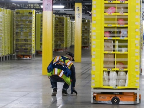 Warehouses are using luxury amenities to attract employees