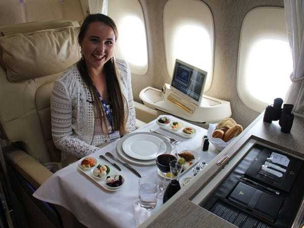 Review: Photos show why Emirates' first class suites were voted best in the world - Business Insider
