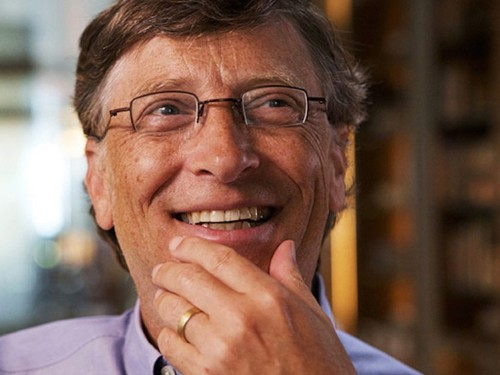 Bill Gates says reading 50 books a year gives him a huge advantage