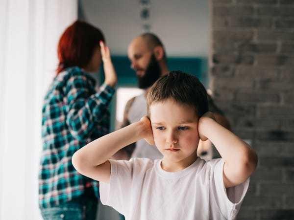 How problematic parental behaviors shape you as you grow up - Business Insider