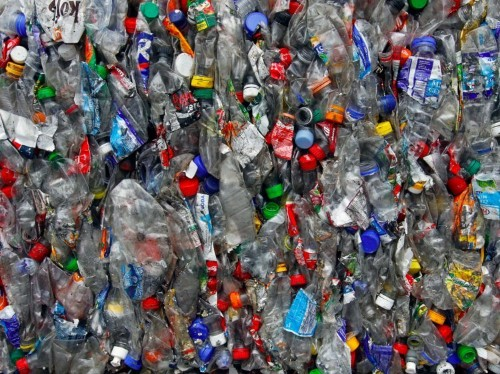 New vending machines in Malaysia will help people exchange their plastic waste for gold