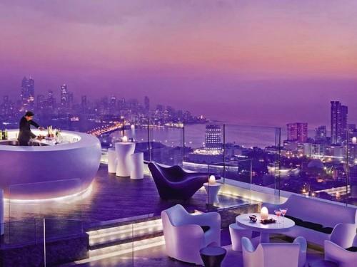 21 bars that have incredible views