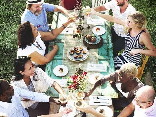 How to better organize group birthday dinners on a budget - Business Insider
