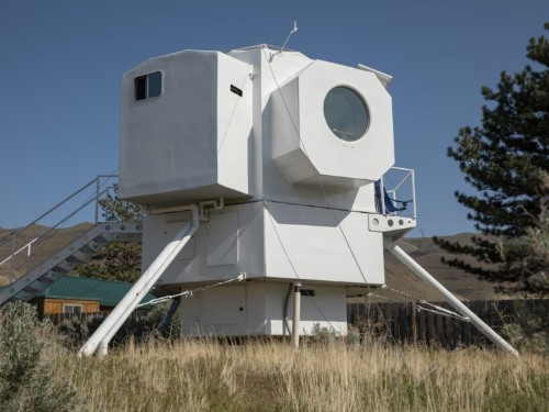 A boat architect modeled his 250-square-foot tiny home after a lunar lander and it's just as cool as it sounds