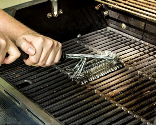 This $15 grill brush has more 5-star reviews on Amazon than any other — here's why