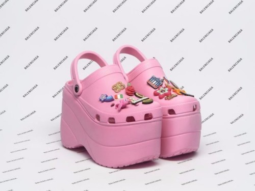Crocs' ugly fashion status is part of its business strategy