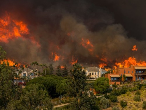 The wildfire in Malibu has hit a former nuclear research site, and some activists are worried about radiation in the smoky air