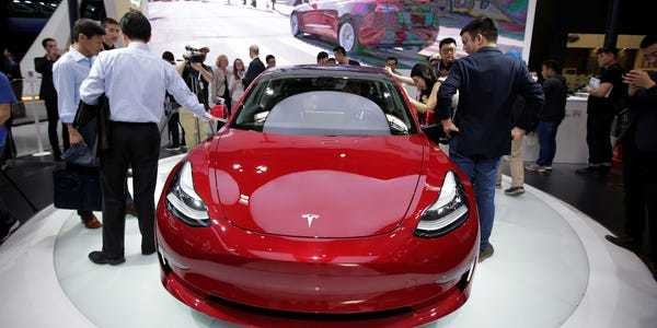 Credit Suisse: Ford's Mach-E could pose a threat to Tesla - Business Insider