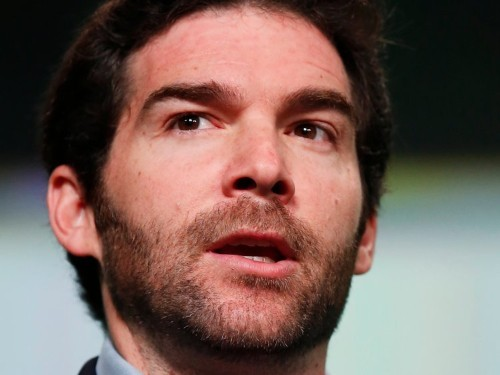 LinkedIn's CEO just gave his $14 million stock bonus to his employees