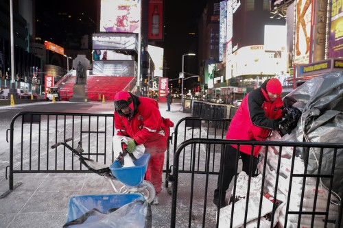 Cities are starting to put beet juice, beer waste, and pickle brine on icy winter roads to cut down on salt