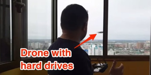 Video: Putin critic uses drone to save hard drives from police raid