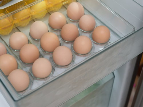 Why Americans refrigerate their eggs but Europeans don't