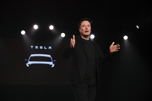 Tesla's biggest problem with self-driving cars is that it actually has to sell them to customers (TSLA) | Markets Insider