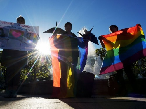 Couple forced to flee Russia under 'gay propaganda law'
