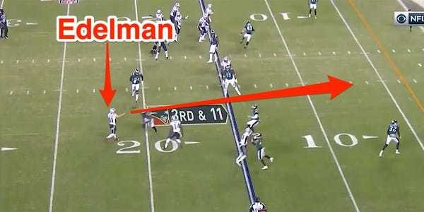 VIDEO: Julian Edelman throws touchdown pass in Patriots trick play vs. Eagles - Business Insider