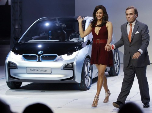 BMW: Here's Why Our New Electric Car Is Better Than Tesla's