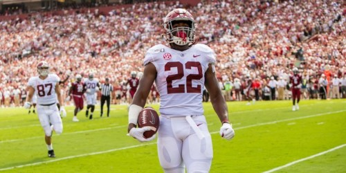 Najee Harris channels Megan Rapinoe to celebrate spectacular touchdown