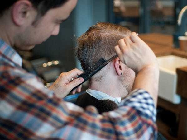 4 things every guy should tell his barber when he gets a haircut - Business Insider