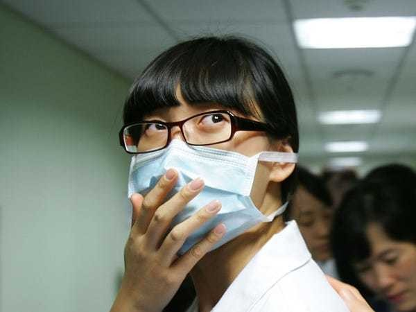 Yes, the flu is contagious. Here's when you're most likely to spread the virus - Business Insider