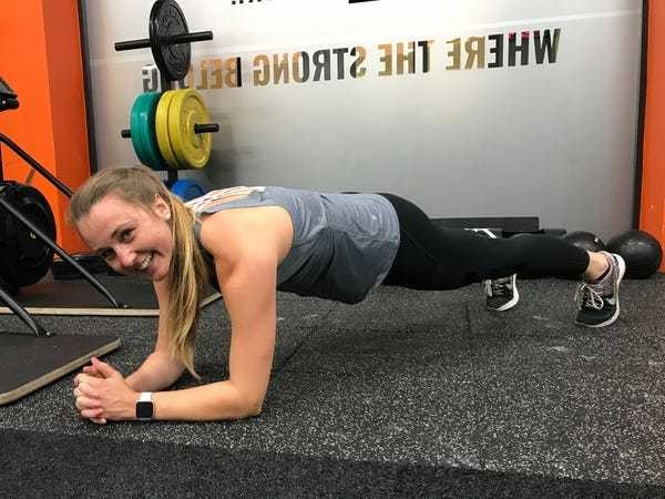 I planked every day for a month and was surprised by the results - Business Insider
