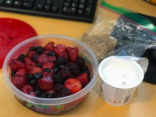 A Harvard doctor shares the 3-ingredient breakfast she eats at work every morning