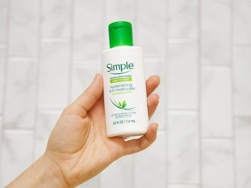 Simple Skincare for super-sensitive skin: I've been using it for 9 years - Business Insider