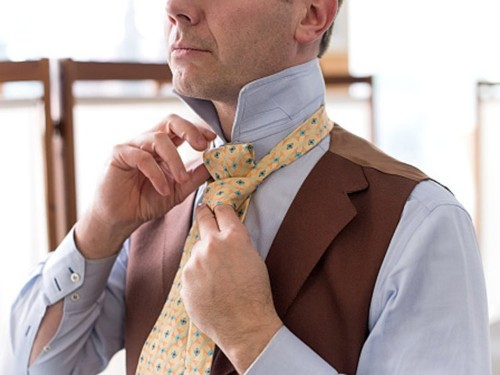 How to tie a tie in a Windsor, Half Windsor, and Four-in-Hand Knot