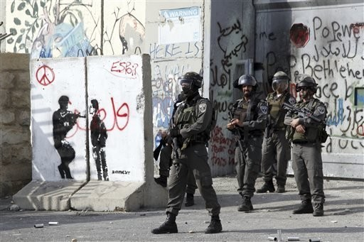 Palestinian attacker wounds several Israelis in Jerusalem