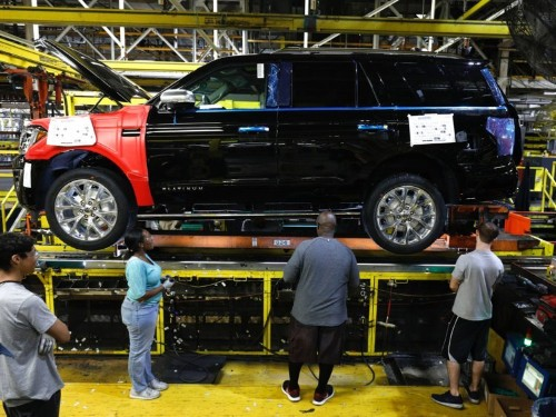 America's obsession with trucks and SUVs is helping push car loan payments to a 10-year high