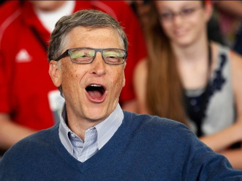 Watch Bill Gates tear up the dance floor at a Miami club