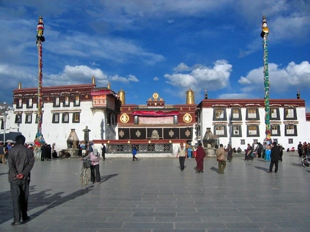 China Is Transforming Tibet's Holiest Area Into A Tourist District