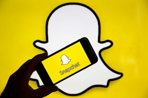 How to delete or block friends on Snapchat on an iPhone or Android