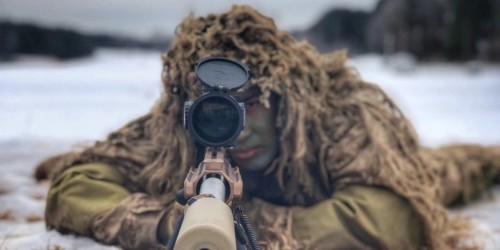 Here's how a Marine sniper hit a target nearly 8,000 feet away