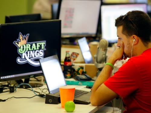 DraftKings and FanDuel will no longer run paid fantasy sports leagues in New York