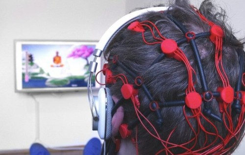 This video game is controlled with brainwaves and may help treat anxiety, epilepsy, and ADHD