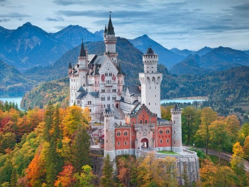 21 castles around the world that look like they're straight out of a fairy tale