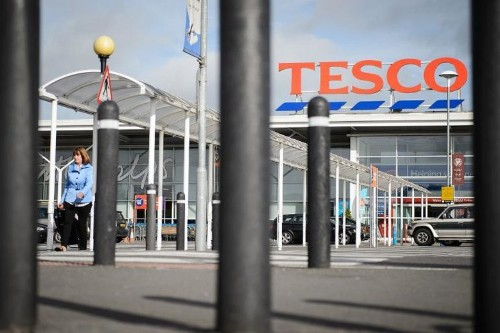 Tesco reveals 'serious' profit error, shares plunge