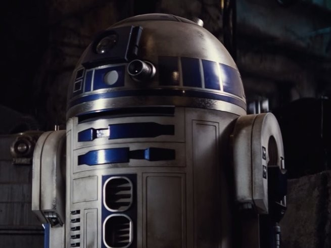 The biggest question everyone had about R2-D2 in 'Star Wars: The Force Awakens' has finally been answered