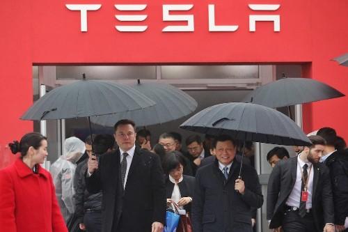Tesla posts huge loss, says deliveries are still on track despite 'aggressive schedule' (TSLA)
