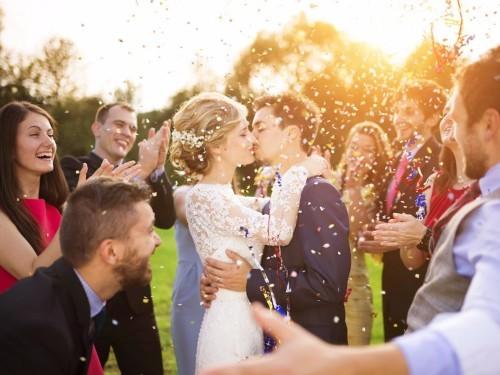 A wedding planner reveals 9 dress code rules guests should follow