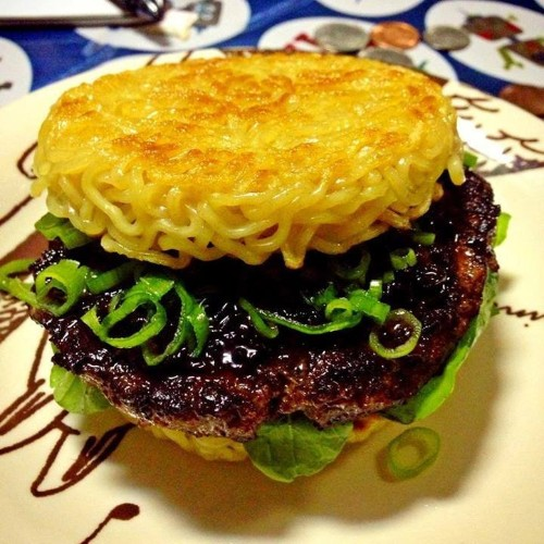 People Are Going Absolutely Crazy For The 'Ramen Burger'