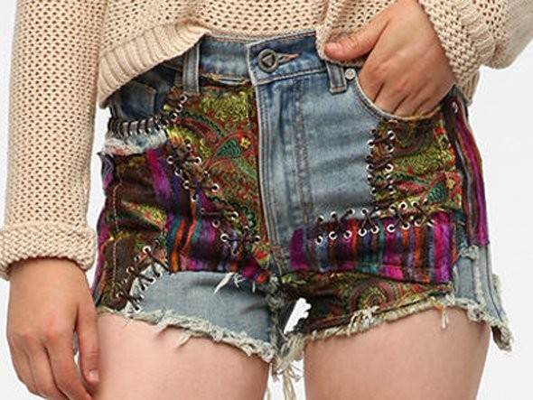 Urban Outfitters Buys Yard Sale Clothes And Resells Them To Hipsters As 'Vintage'