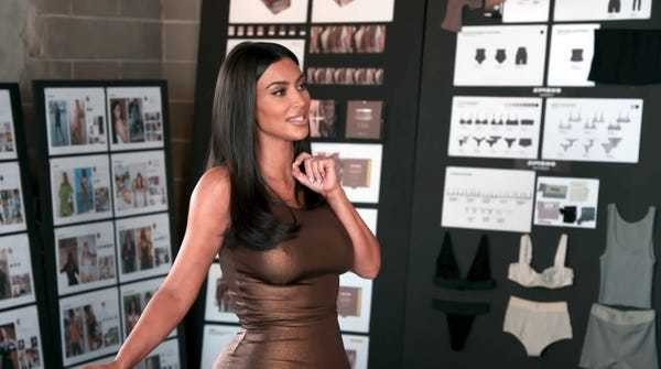 Watch Kim Kardashian realize 'Kimono' is an offensive name on 'KUWTK' - Business Insider