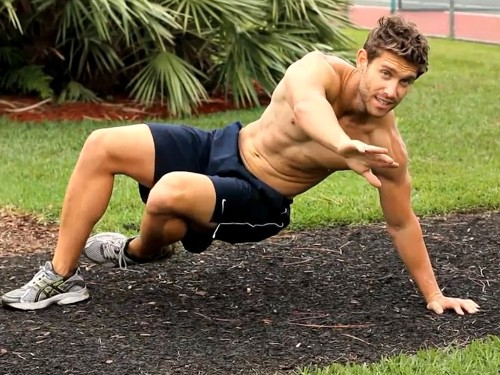 Trainers love this core exercise that will make your abs super strong - Business Insider