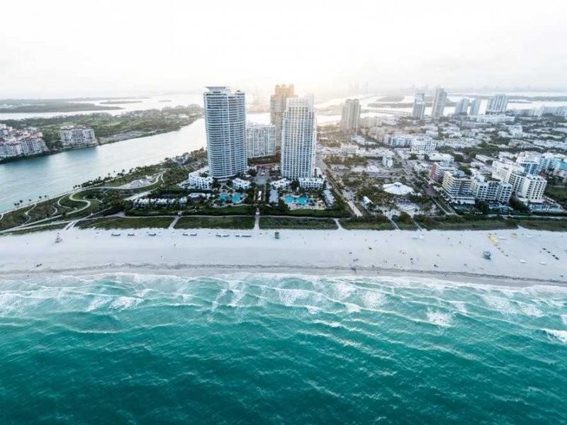 Miami Living - Magazine cover