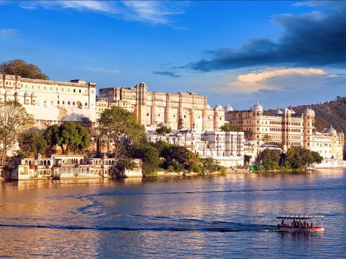 20 breathtaking photos of palaces in India