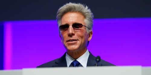 SAP CEO Bill McDermott resigned six months after activist investor Elliott elbowed in - Business Insider